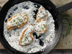 Puten-Pfeffersteak – smarter - in feiner Rahmsauce - smarter - Kalorien: 320 Kcal - Zeit: 20 Min. | eatsmarter.de Ein echtes Low carb Gericht diese Steaks.