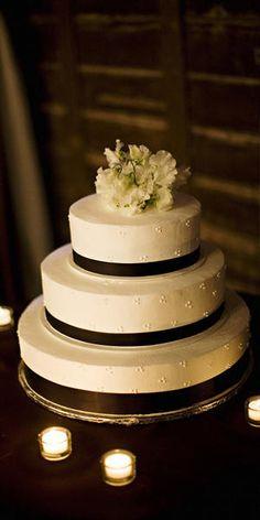 black-and-white wedding cake