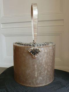 Rare Vintage WILARDY Lucite Purse Bag Hangbag Hard Cover Case