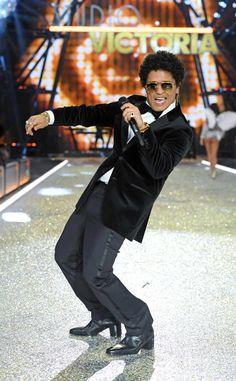 Bruno Mars: 2017 AMAs: All the Winners