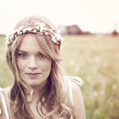 bridal hair crown - flower crown, woodland wedding, boho bridal head piece, rustic wedding - ADELINE from whichgoose on Etsy. Saved to boho lovely. Wedding Headband, Bridal Crown, Crown Hairstyles, Boho Hairstyles, Wedding Hairstyles, Chic Wedding, Wedding Styles, Rustic Wedding, Wedding White