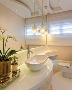 Casa alphaville piracicaba banheiros modernos por designer de interiores e paisagista iara kílaris moderno Bathroom Sink Design, Bathroom Design Luxury, Washroom, Bedroom False Ceiling Design, Interior Design Living Room, Comfort Room, Washbasin Design, Foyer Flooring, Casa Clean