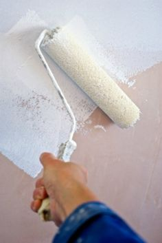 This is a guide about painting walls in a mobile home. Mobile homes, especially older ones, have walls that are not the traditional drywall construction found in stick built houses.