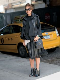 User's Guide to Style: Graphic Print Skirt: shopping: allure.com