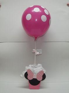 Centro de Mesa MInnie Rosa    Centro de mesa da Minnie Rosa, todo decorado, vai com o pega balão, tag, balão e rococo.    Para quem retirar em Santo André, pode levar o balão já inflado, agora se for para enviar via Correios, envio os balões vazios.    Tb faço em outros temas e cores. R$ 10,70