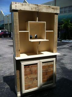 DIY pallet furniture =)