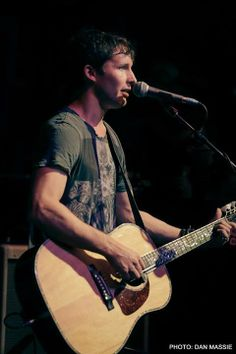 James Blunt......GREAT PICTURE OF JAMES DOING HIS THING