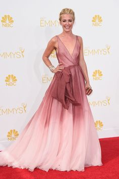 Cat Deeley from 2014 Emmys: Best Dressed Stars Talk about true romance! Cat's ombre Burberry gown was the perfect mix of femininity and elegance. Cat Deeley, Kate Mara, Celebrity Red Carpet, Celebrity Style, Celebrity Gowns, The Dress, Pink Dress, Emmys Best Dressed, Beautiful Dresses