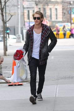 Austin Butler's style is amazing. #fallstyle #menswear #leatherjacket
