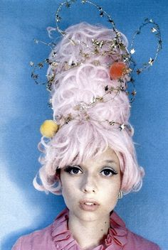 Epic Halloween hair: a cotton candy beehive wrapped in tinsel stars.  #Halloween #Make-up #Makeup #costume #Hair #HalloweenHair