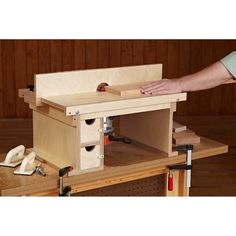 Every shop needs a router table. Benchtop Router Table Woodworking Plan, Shop Project Plan | WOOD Store For more please visit: http://www.flyfreshforever.com