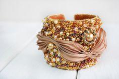 Shibori bracelet #Shibori embroidery jewelry by ByMimmiShop on Etsy Vasylyshyn Olha