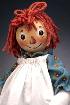 *RAGGEDY ANN - and people wonder why I don't sleep at night! Never trust anything with a triangle nose! Doll Toys, Baby Dolls, Dolls Dolls, Ann Doll, Raggedy Ann And Andy, Holly Hobbie, Bear Doll, Hello Dolly, Fabric Dolls