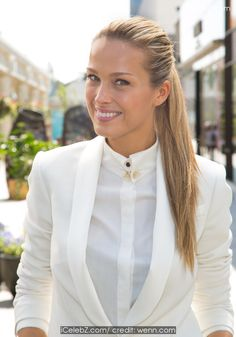 Petra Nemcova  Petra Nemcova at the Century City Mall in Los Angeles with Extra TV host Terri Seymour http://www.icelebz.com/events/petra_nemcova_at_the_century_city_mall_in_los_angeles_with_extra_tv_host_terri_seymour/photo5.html
