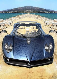 Pangani  Zonda is that the paint or a reflection :) http://extreme-modified.com/