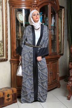Beautiful patterned abaya, gives you special touch in parties and special events. #hijab_style #hijab_fashion #hijab #hijab_chic #islamic_fashion