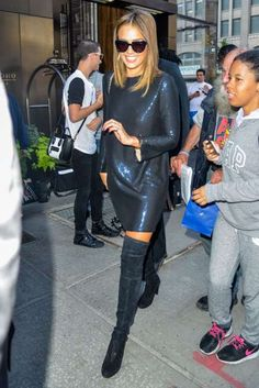 """<a href=""""http://www.wonderwall.com/movies/Jessica-Alba-430.celebrity"""">Jessica Alba</a> is spotted leaving her hotel in New York City on Sept. 14, 2015"""