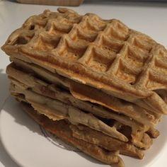 Aujourd'hui, je vous présente ma recette coup de coeur du mois : des gaufres vegan, délicieuses, croustillantes … La recette a été trouvée sur le facebook de la jolie Chloé (www.faceboo…