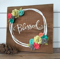 Blessed Rustic Wall Decor Reclaimed Wood Sign with Felt flowers Home decor Blessed Rustic Wall Decor Reclaimed Wood by TheOldWhiteShedIowa Rustic Walls, Rustic Wall Decor, Pallet Crafts, Wood Crafts, Pallet Art, Pallet Signs, Wood Projects, Craft Projects, Craft Ideas