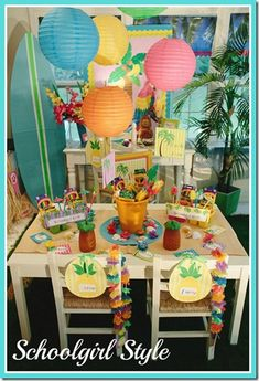 I like bucket centerpiece and pineapple cups