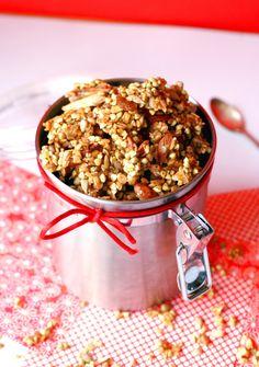 LE PETIT-DÉJEUNER DES VACANCES   Antigone XXI Granola - buckwheat, flax seed, sunflower seeds, dried fruit, almonds, cinnamon, maple syrup