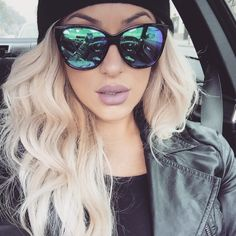 Chrisspy rocks reflective lenses #Chrisspy #ChrisspyMakeup #sunglasses #blonde