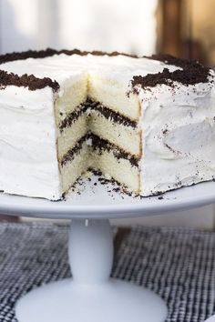 Ok, you can make this for my birthday...I won't turn my nose up. Cookies and Cream Birthday Cake. Yummy.