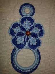 Imagem relacionada Crochet Towel Topper, Crochet Symbols, Crochet Potholders, Towel Holder, Crochet Flowers, Pot Holders, Fun Crafts, Elsa, Towels