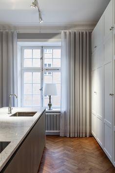 Höga köksskåp Rådmansgatan+18