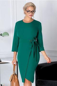 Rochie Darya verde office cu cordon in talie Fashion Shoes, Fashion Dresses, Mothers Dresses, Office Dresses, Western Dresses, Pencil Dress, African Dress, Office Wear, Plus Size Fashion
