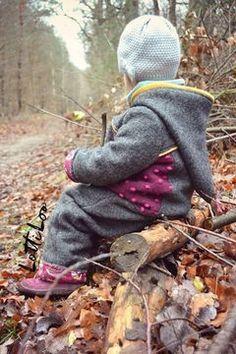 Draußenkind für+alle+Tragekinder,+aber+auch+im+Kinderwagen,+der+Babyschale+oder+später+beim+Laufen,+Spielen+und+Fahrradfahren+macht+er+eine+prima+Figur.