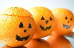 lots of Halloween healthy treats Holidays Halloween, Spooky Halloween, Halloween Crafts, Holiday Crafts, Holiday Fun, Halloween Party, Halloween Decorations, Holiday Ideas, Holiday Recipes