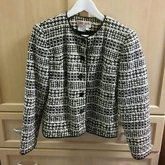 Silk lined jacket - reduced Marty London silk black and beige patterned classic style jacket. With black lining Maggy London Jackets & Coats Blazers