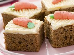 A Yummy classic carrot cake recipe, with a sweet creamy frosting. Classic Carrot Cake Recipe from Grandmothers Kitchen. Food Cakes, Cupcake Cakes, Classic Carrot Cake Recipe, Grandmothers Kitchen, Cake Day, Classic Desserts, Alice In Wonderland Party, Easter Recipes, Easter Food