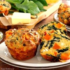 Make 6 huge, Texas size or 12 normal sized muffins. Delicious warmed and slathered with butter. Spinach And Feta Muffins, Veggie Muffins, Savory Muffins, Spinach And Cheese, Healthy Muffins, Savory Snacks, Savoury Muffins Vegetarian, Vegetarian Recipes, Healthy Recipes