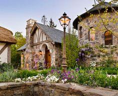 Old World Cottage Storybook Homes, Storybook Cottage, Cute Cottage, Cottage Style, Tudor Cottage, English Cottage Exterior, Old Cottage, Garden Cottage, Tudor Style Homes