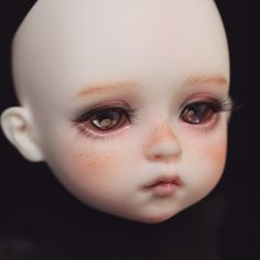 #bjd #BJDfaceup #bjdmakeup #balljointdoll #doll #dollcustom #dollrepaint #dollstagram Doll Head, Doll Face, Broken Doll, Shadow Puppets, Creepy Dolls, Doll Repaint, Dolls Dolls, Ball Jointed Dolls, Sculpting