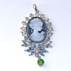 Cameo Oval Bead Pendant Great Colors Starts at $7 http://tophatter.com/auctions/11273?campaign=all=internal