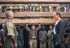 Meet the sexy pirates of 'Black Sails' in brand new images. Michael Bay-produced Starz drama will premiere in January