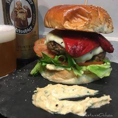 #burger #hamburguesa ternera y bacon con #pimientos de piquillo...