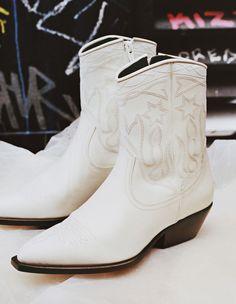 a330053f3 Leather cowboy boots - Boots - Sandro-paris.com Cowboy Boots, Fashion Boots