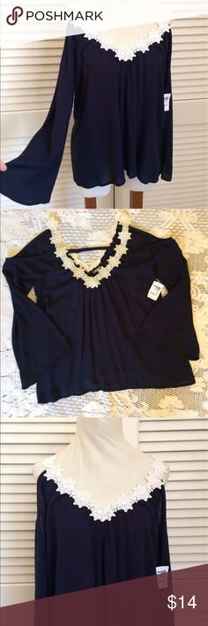 🌹Charlotte Russe bohemian blue open shoulder top 🌹Charlotte Russe NWT bohemian open shoulder top is beautiful! White lacy floral detail at neckline and as shoulder straps. Size medium. Stylish, loose and flowing. Charlotte Russe Tops