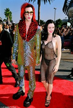 5 things the antichrist superstar taught us about fashion. Marylin Manson was a style icon in the 90's and he taught a generation to dress for themselves