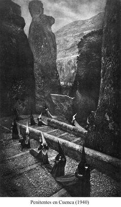 Penitentes en Cuenca by José Ortiz Echagüe.  http://ghoulnextdoor.tumblr.com/post/14404404567/penitentes-en-cuenca-by-jose-ortiz-echague-1940
