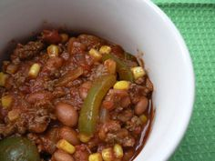 Using only a small amount of extra-lean ground beef, this chili is boosted by fiber-rich pinto beans and sweet corn to make a hearty, healthy, low fat chili.
