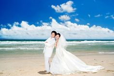 How to Shoot Wedding Photography on the Beach in Harsh Sun
