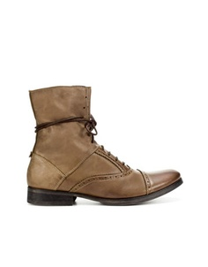 COMBAT BOOT - I love it, want it, need it, googoo gaga!  $129.00  Ref. 5816/002        Composition and care                  Facebook      Twitter      Mail      Print
