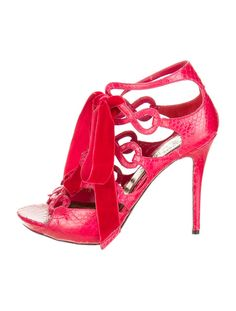 www.SocietyOfWomenWhoLoveShoes.org Alexander McQueen Sandals
