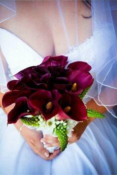 69 Dramatic Burgundy Wedding Ideas | HappyWedd.com