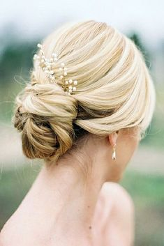 Wedding Updos For Short Hair ❤ See more: http://www.weddingforward.com/wedding-updos-for-short-hair/ #weddingforward #bride #bridal #wedding